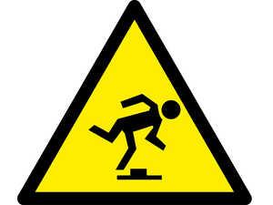 Знак попереджувальний  Обережно малопомітна перешкода
